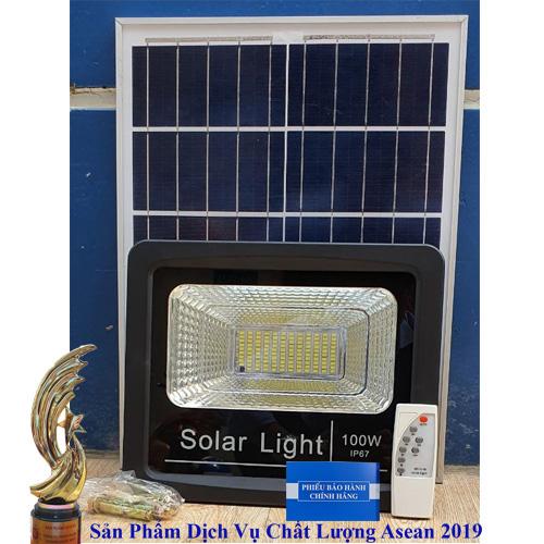 Đèn năng lượng mặt trời, lắp dèn năng lượng mặt trời, đèn dùng năng lượng mặt trời, đèn mặt trời 100w, lắp đèn năng lương mặt trời 1002, dèn năng lượng mặt trời sáng