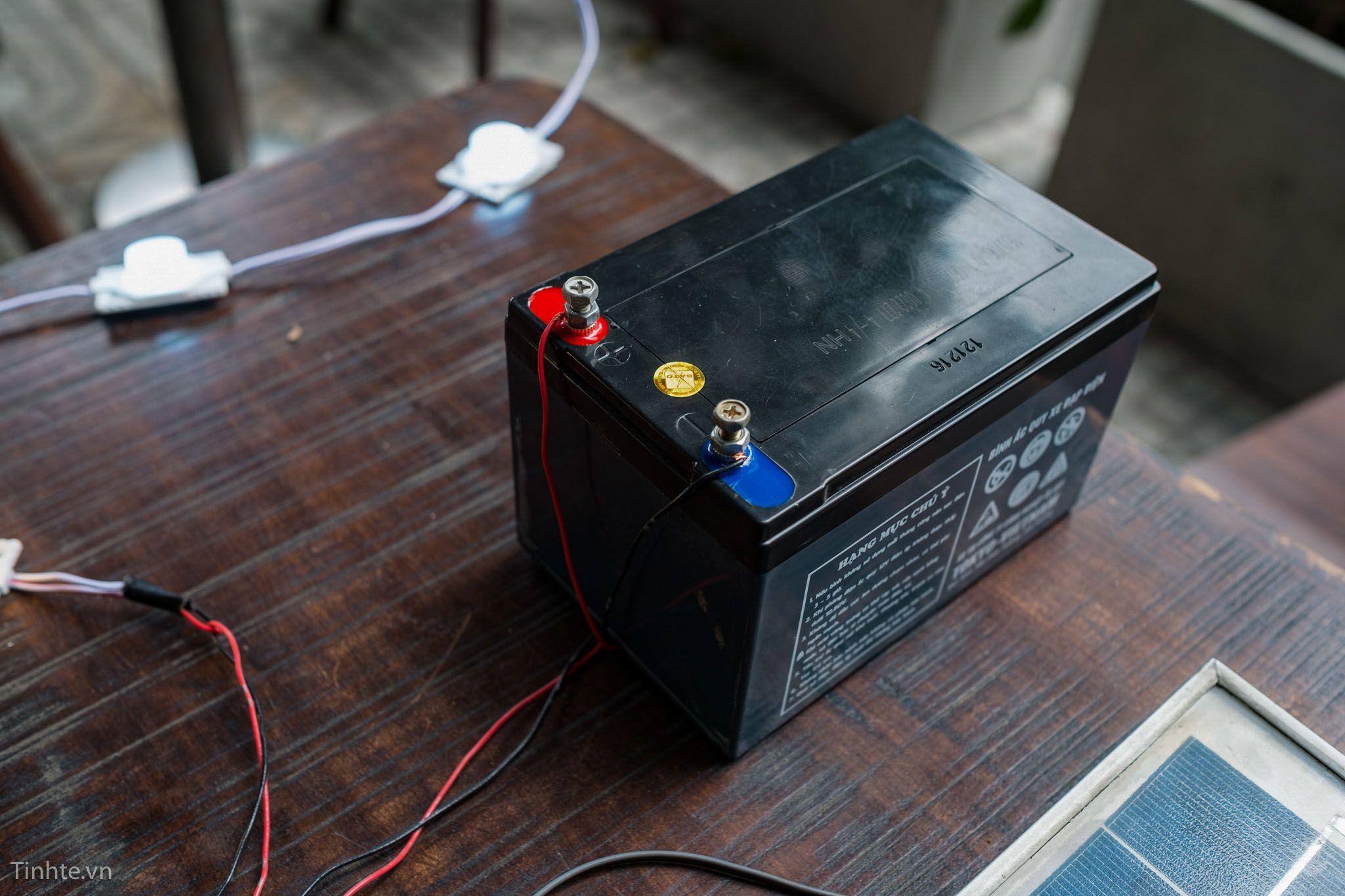 bình điện lưu trữ để camera hoặt động vào ban đêm hoặc những ngày không có nắng