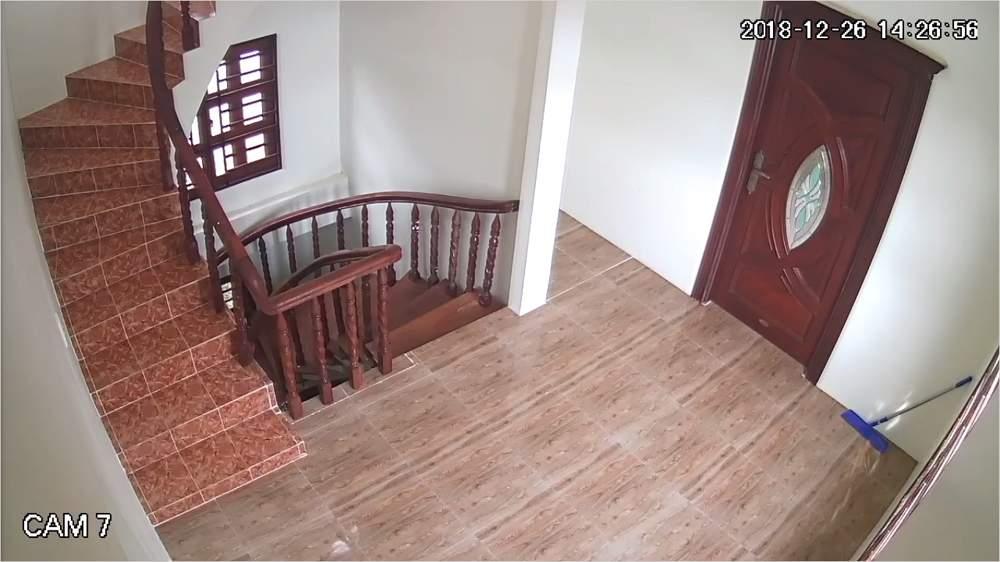 lắp camera ip wifi yoosee giám sát cầu thang