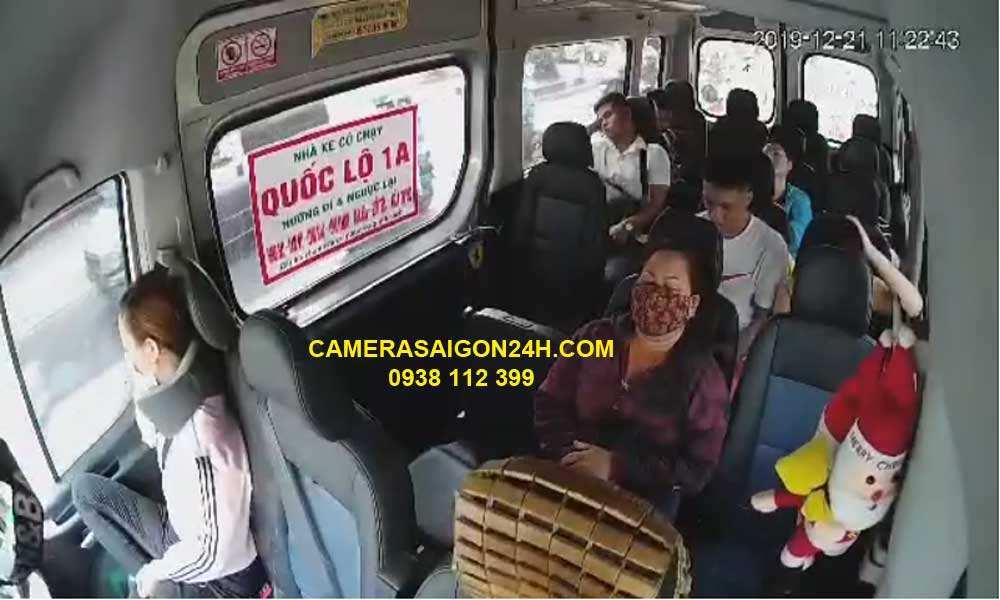 ghi hình thực tế camera giám sát cho ô tô khách 16 chỗ