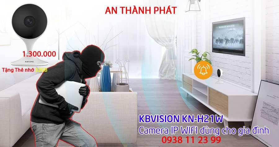Camera IP Wifi 2.0MP KBONE KN-H21W kèm theo thẻ nhớ 32GB. giá tốt KBONE KN-H21W là camera IP mới nhất dùng cho gia đình, thiết kế nhỏ gọn, độ phân giải Camera IP Cube hồng ngoại không dây 2.0 Meagpixel HIKVISION