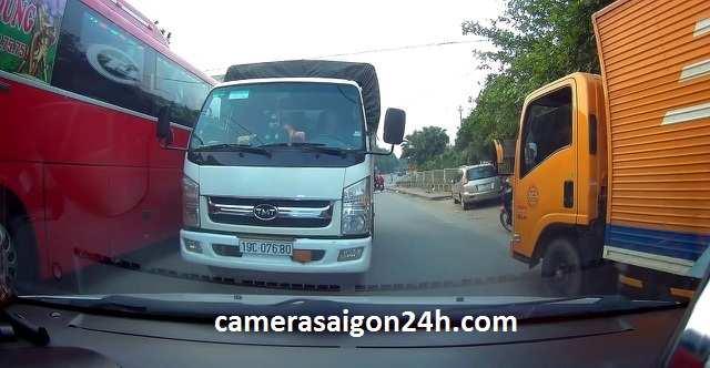 lắp camera giám sát trên xe khách