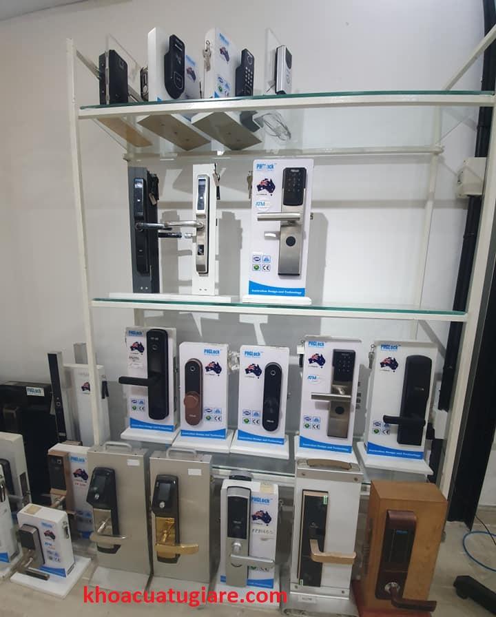 Khóa cửa PHGLock - Khóa Vân Tay - Mã Số Chuyên khóa điện tử PHGlock chính hãng, phân phối uy tín giá tại kho khóa từ, khóa vân tay. Tổng đại lý phân phối chính hãng khóa từ, khóa vân tay PHGlock uy tín tại Việt Nam.