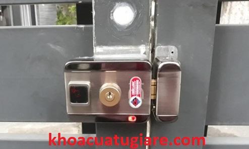Cung cấp và lắp đặt ổ khóa cổng sắt, khóa cửa sắt chất lượng. Các ổ khóa đều được bảo hành tận nơi 24 tháng, bảo trì định kỳ miễn phí. Với kinh nghiệm hơn 10